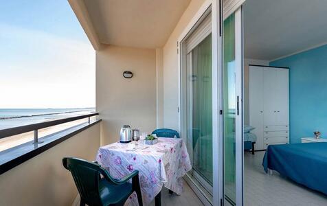 residencebelvedererimini de attico-fronte-mare 002