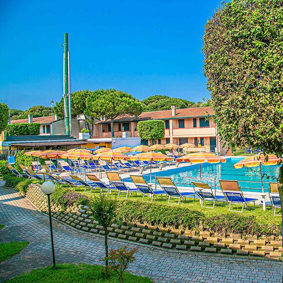 tizevillage fr piscine 018