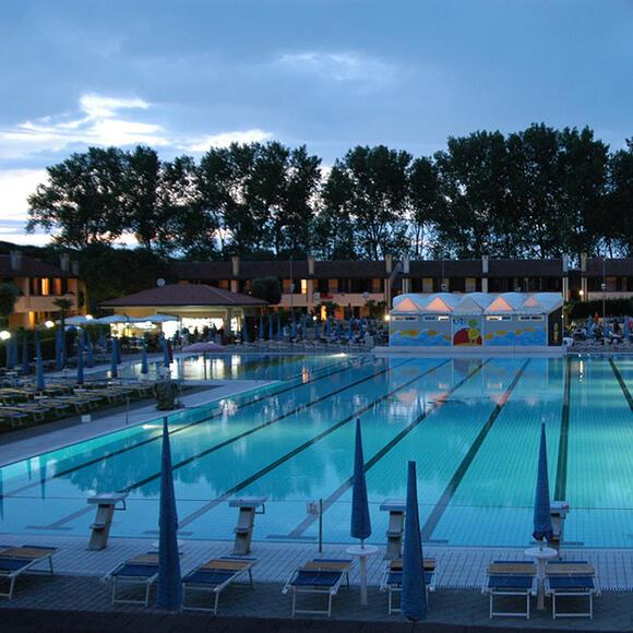 tizevillage fr piscine 019