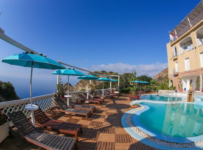 Hotel with swimming pool Ischia
