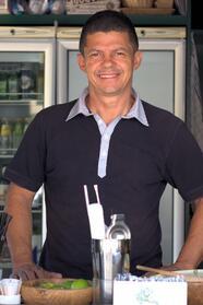 Jose Eronildes Gonzaga Bezerra - Barman