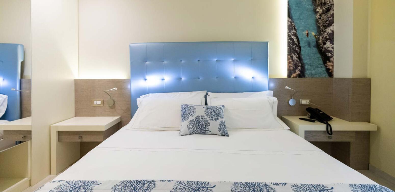 villaggioilgabbiano fr chambre-quadruple 013