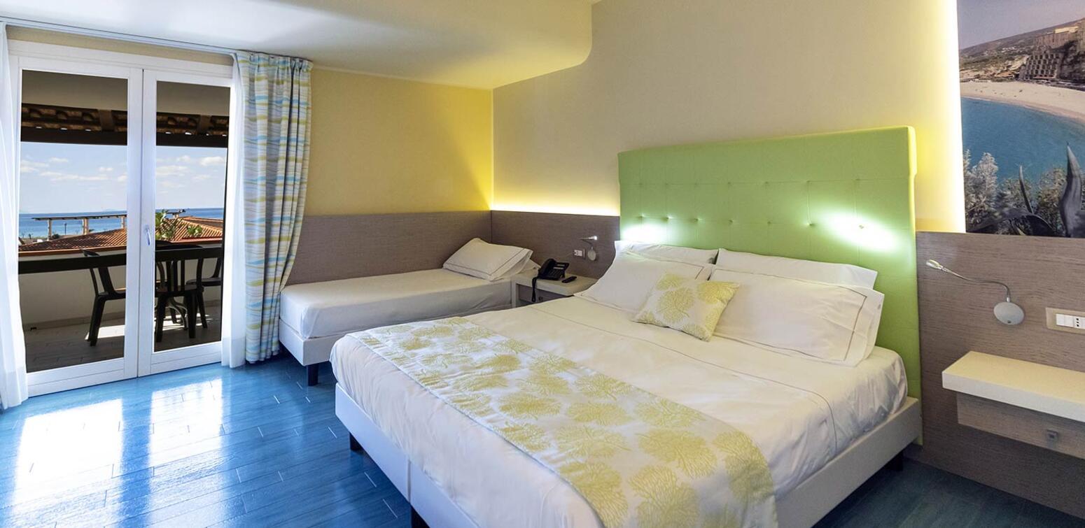 villaggioilgabbiano fr chambre-quadruple 014