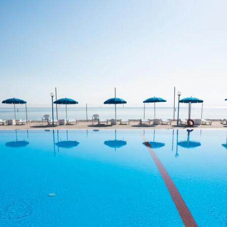 villaggiolemimose it piscina-porto-sant-elpidio 009